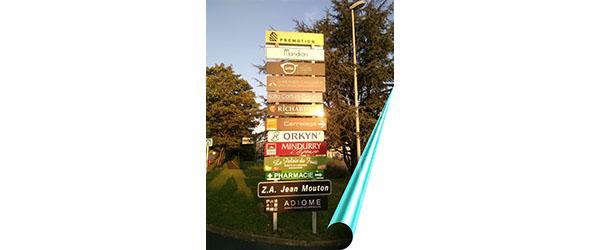Pour mieux encadrer la signalétique la ville d'Anglet a fait appel à A.M.O.S°
